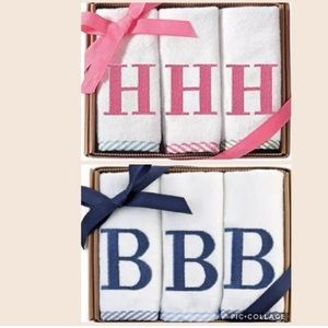 Mud Pie monogram seersucker wash cloth gift set